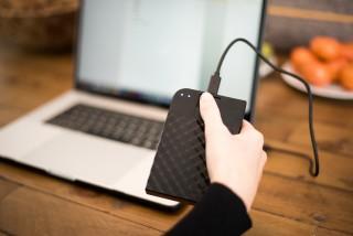 Fingerprint Secure HDD Lifestyle Image_6840-FR.jpg